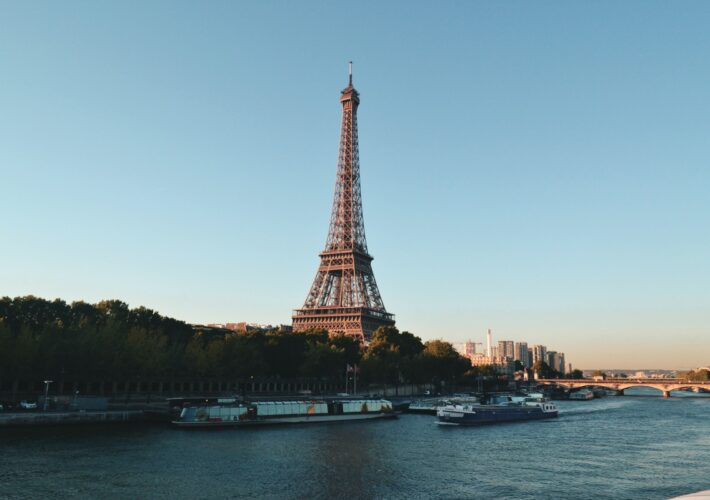 YOUR ULTIMATE GUIDE TO PARIS